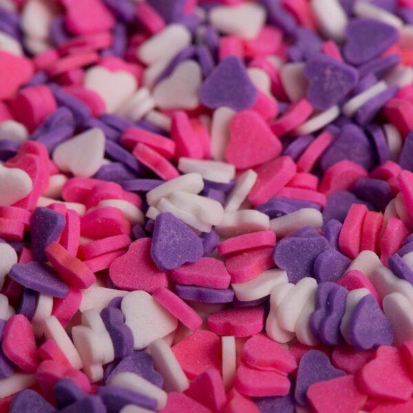 """סוכריות לעוגה לב ורוד סגול לבן 6 מ""""מ"""