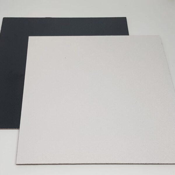 """ריבוע פוקר דו צדדי שחור לבן – 29X29 ס""""מ"""