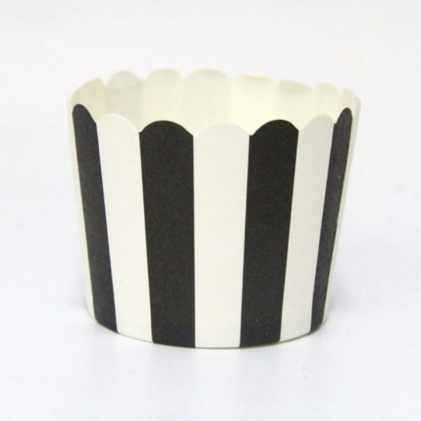 """כוסות אפייה פסים שחור לבן 50 יחידות – גודל 5 ס""""מ"""