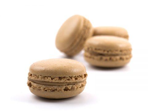 מקרון ממולא טעם שוקולד טראפלס – יחידה (איסוף עצמי בלבד)