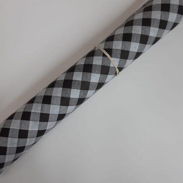 נייר פרגמנט משבצות שחור לבן – 30 יחידות